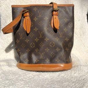 Authentic Louis Vuitton monogram bucket pm bag